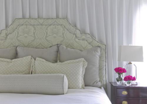 kings abbot master bed vignette